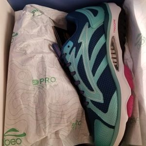 Shoes - Abeo skylar shes size 8